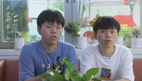 双胞胎创业回母校 为学子提供就业岗位