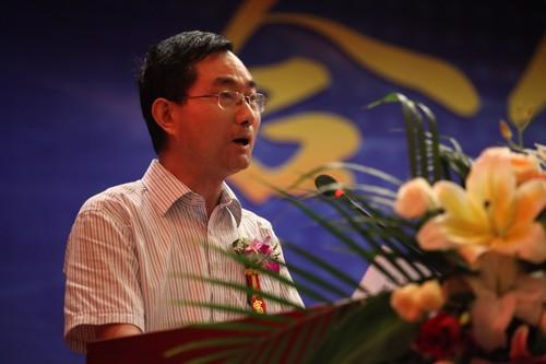 图四:新华教育集团就业部副部长袁种宝致辞.jpg