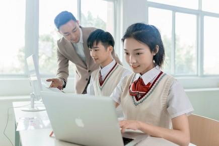 成长的力量:新华互联网科技发展变迁
