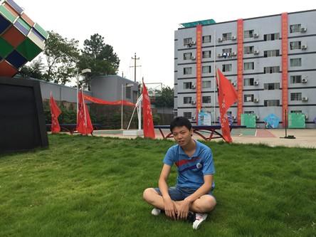 周恩辉2.jpg